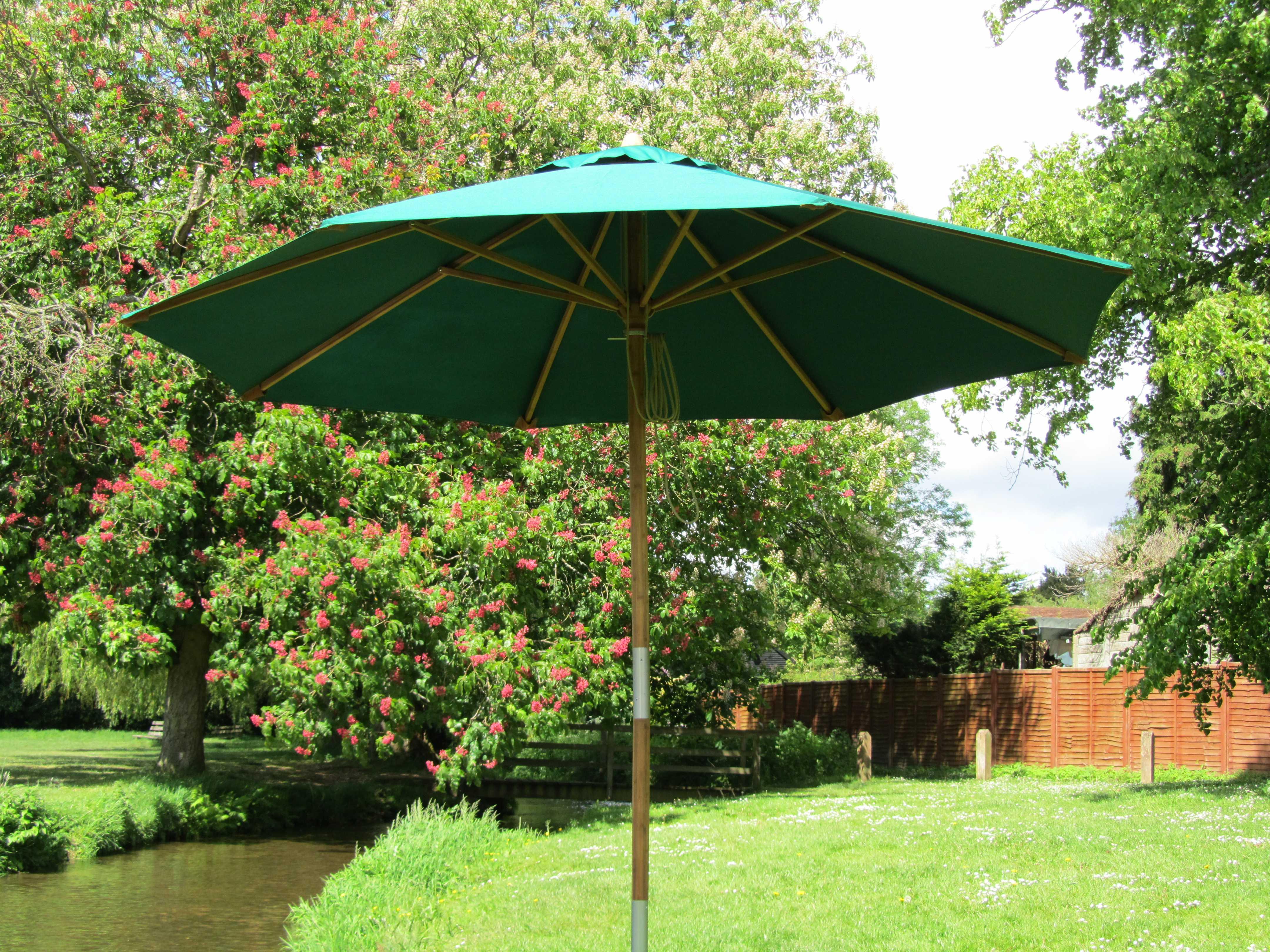 Bambrella Sirocco Wood 10 Round Pulley Lift Umbrella 3