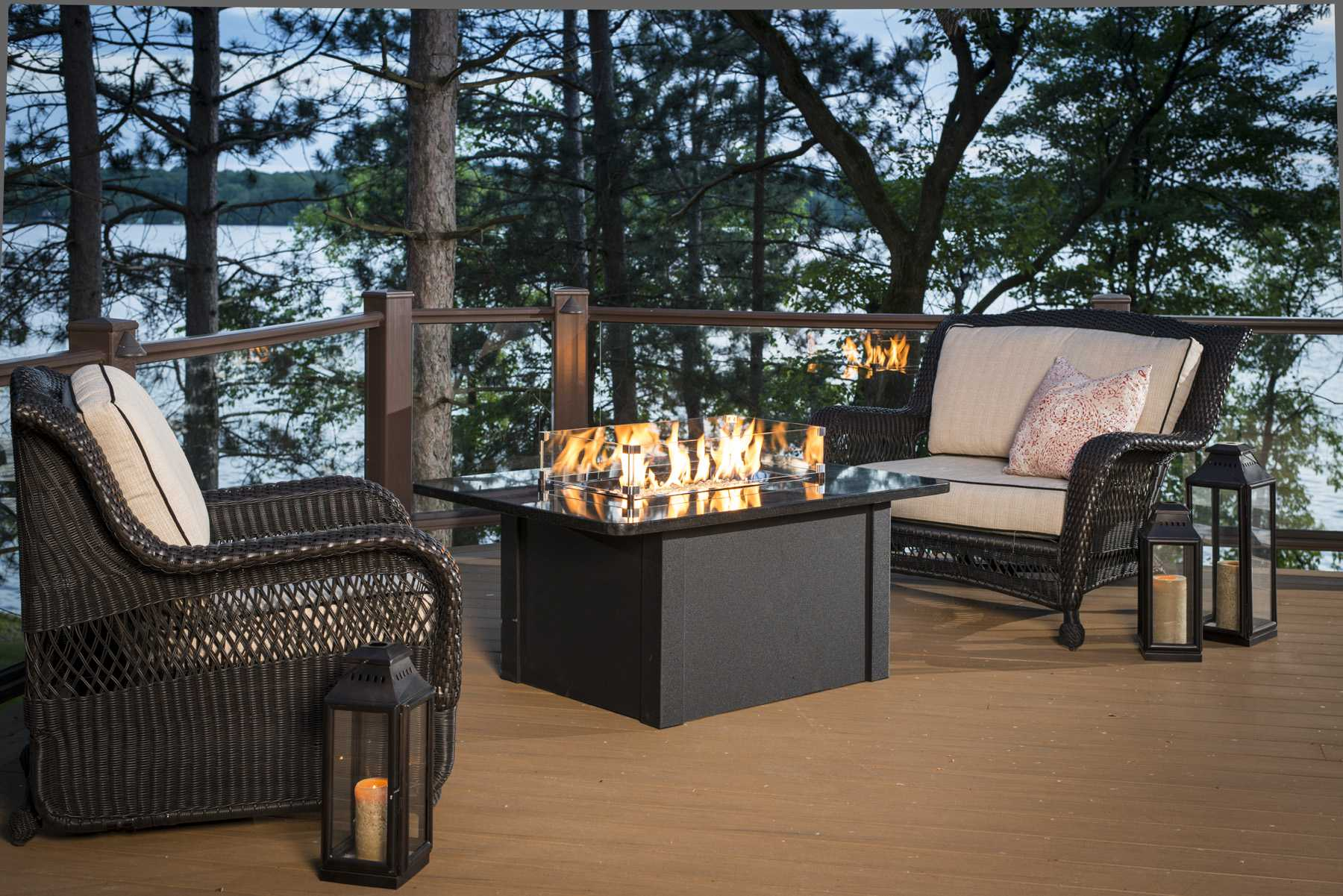 Outdoor Greatroom Grandstone Aluminum 48 X 36 Rectangular Crystal Fire Pit Table With Napa