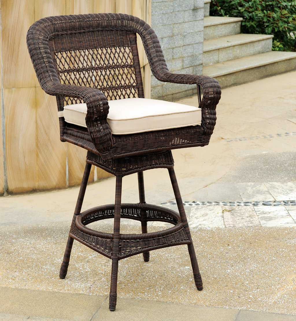 South Sea Rattan Montego Bay Wicker Cushion Arm Swivel Bar