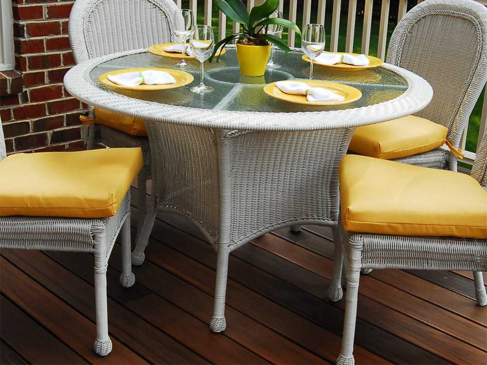 South Sea Rattan Key West Wicker 48 39 39 Round Glass Dining Table 75417