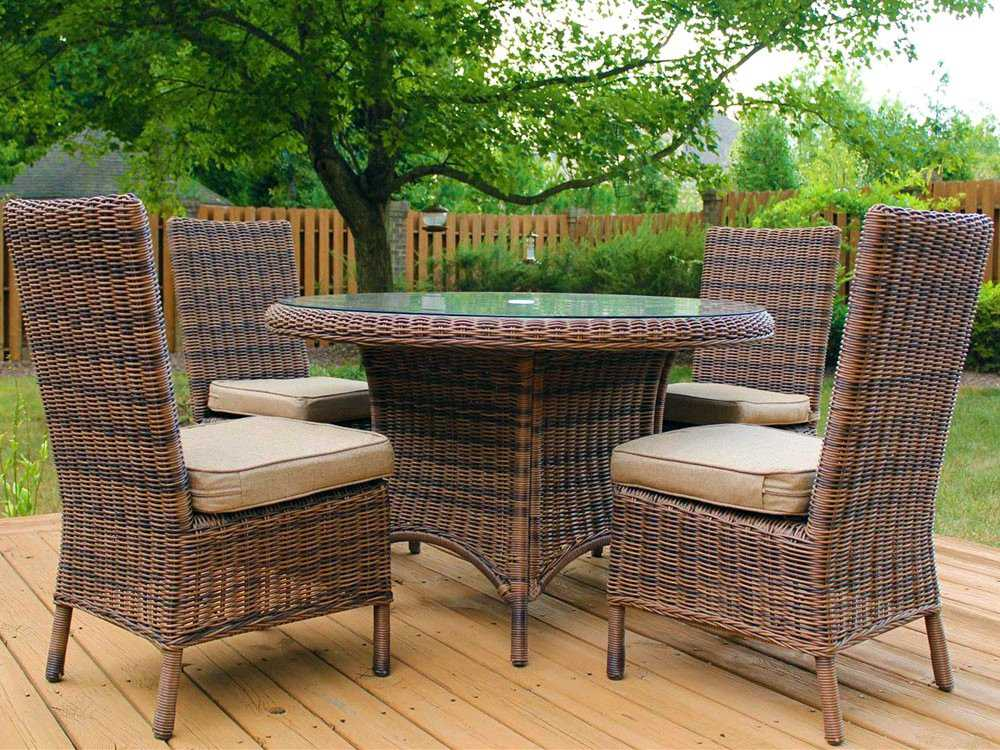 South Sea Rattan Del Ray Wicker 48 39 39 Round Glass Dining Table 76617
