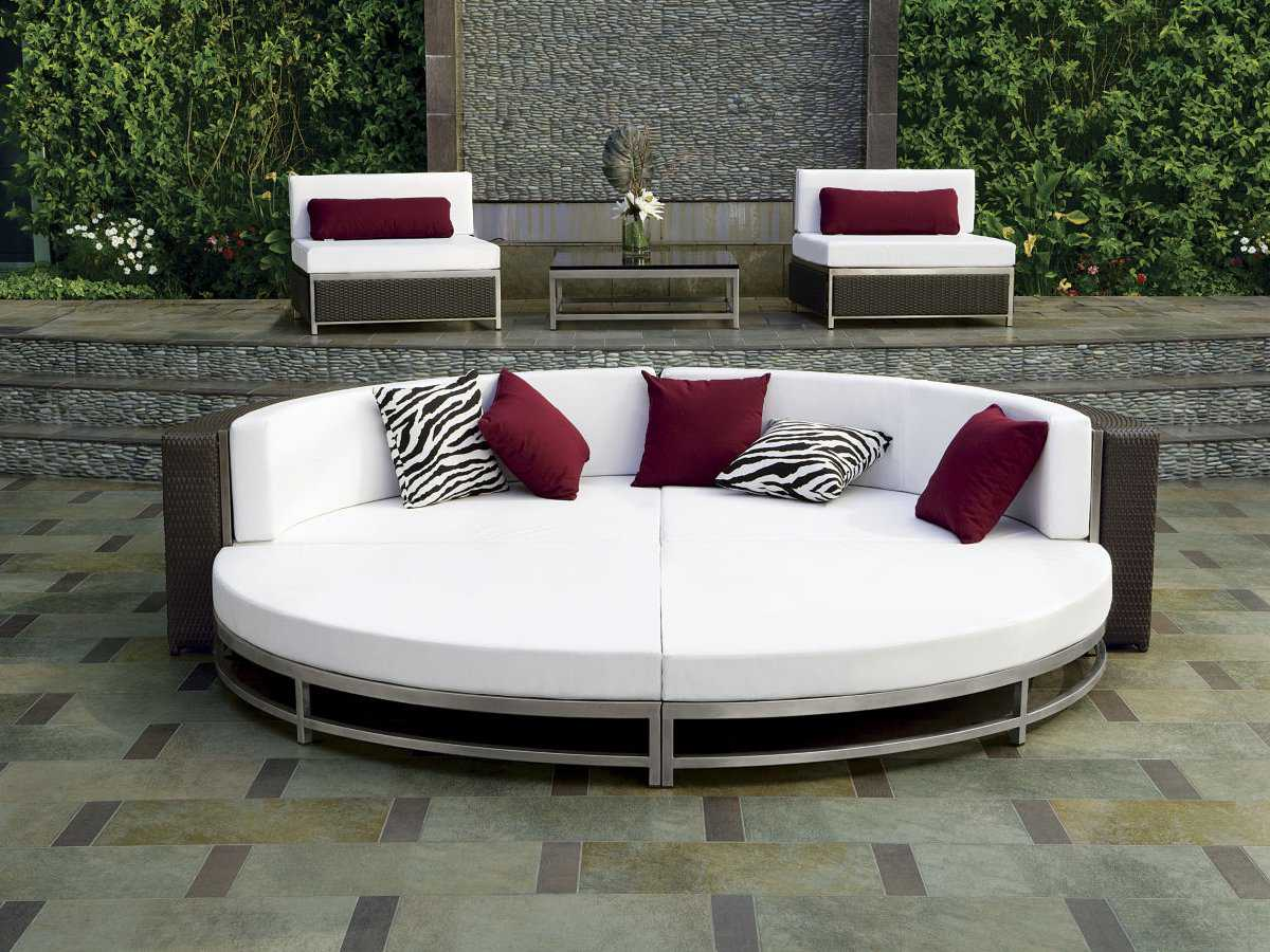 Lovely Outdoor Cabana Furniture