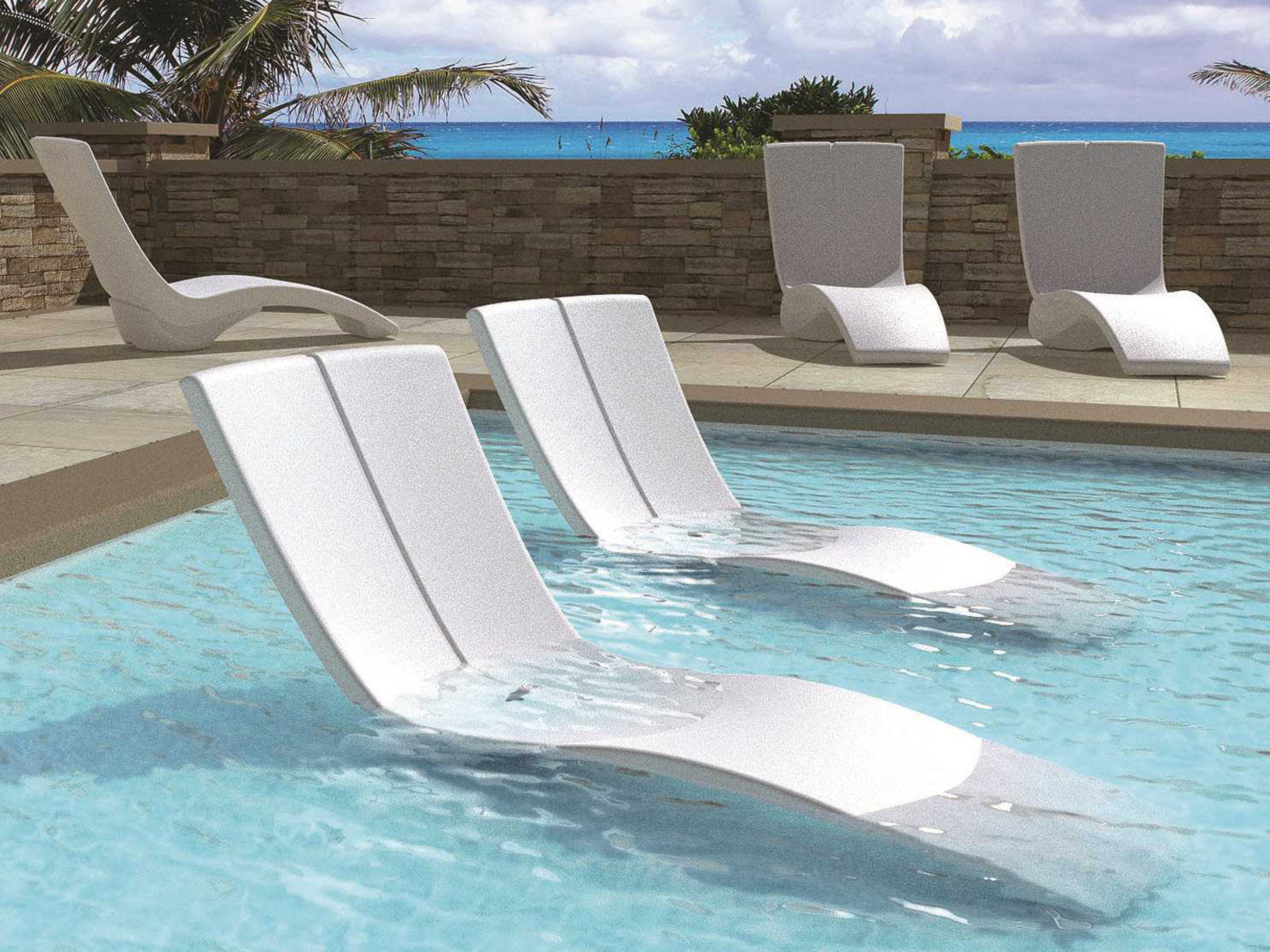 Tropitone curve recycled plastic chaise lounge set for Plastik pool rund