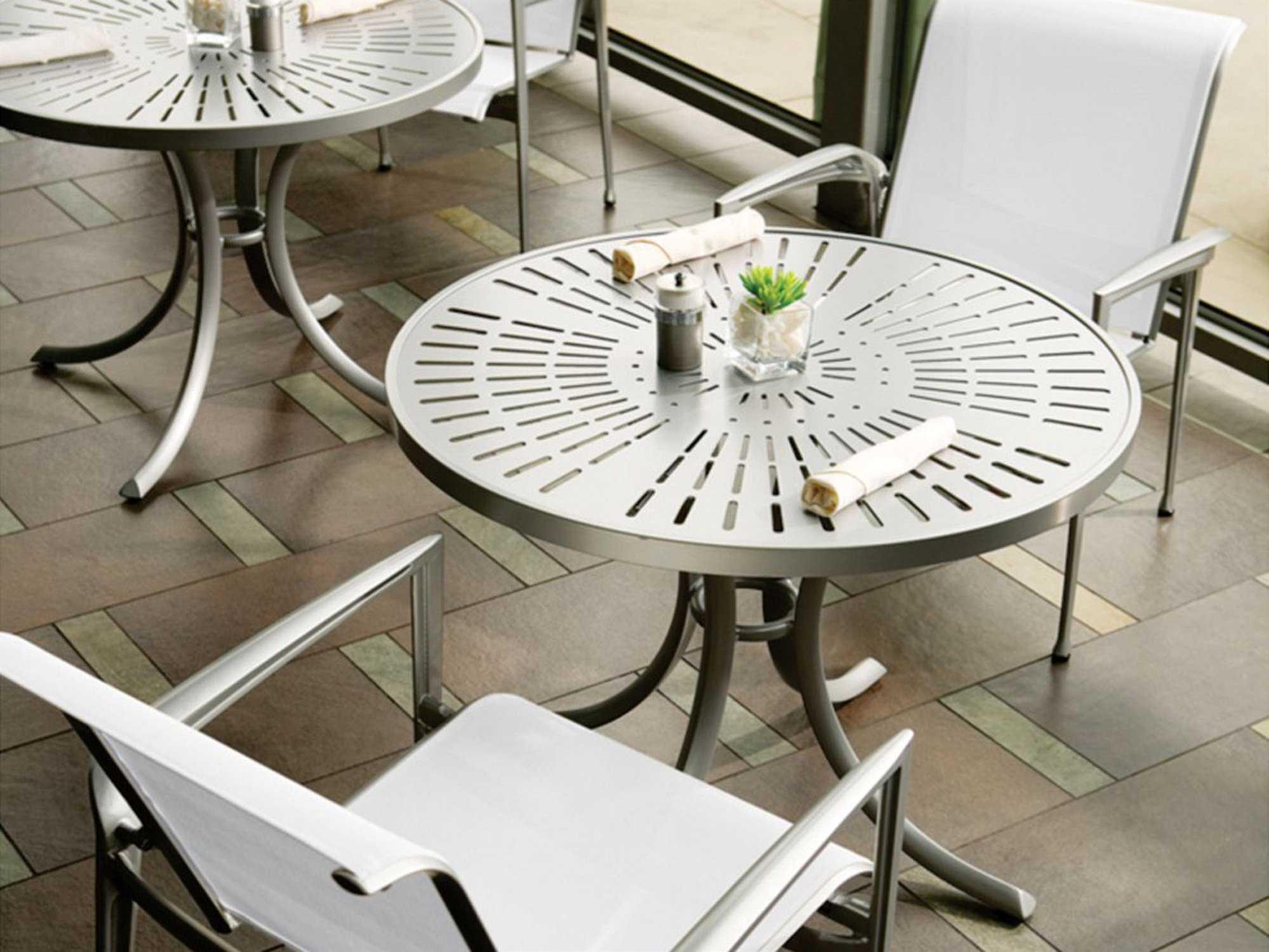 Tropitone la stratta aluminum 36 round dining table with - Aluminium picnic table with umbrella ...