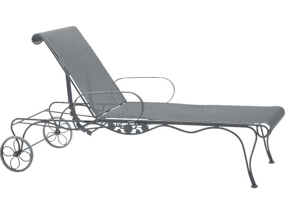 Woodard Briarwood Wrought Iron Adjustable Chaise Lounge