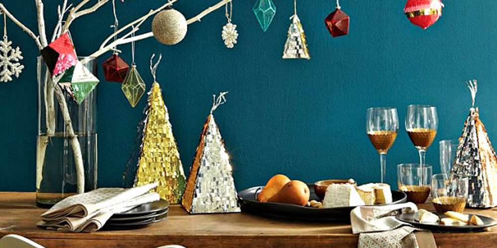 Looking for new ways to deck the halls? Holiday help is here with LuxeDecor!