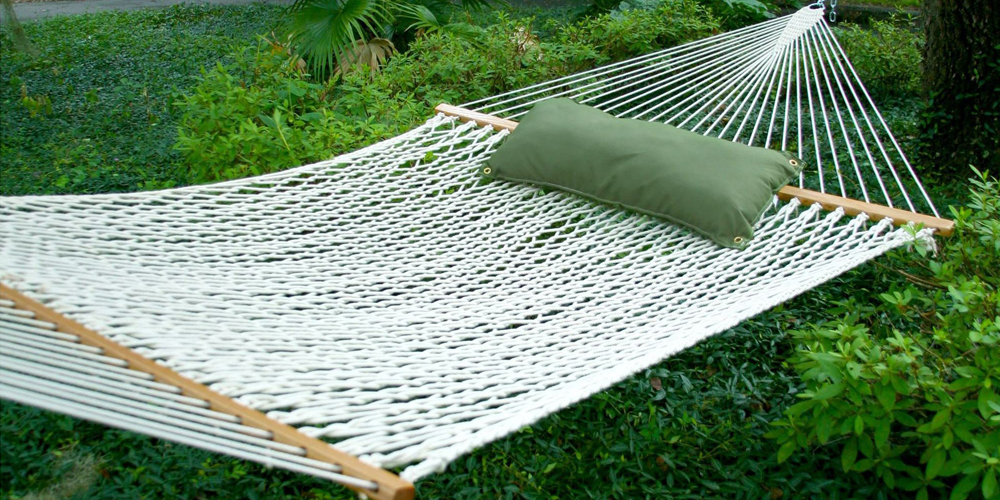 hammocks are a great outdoor lounging option  casual and  fortable hammocks offer a spot to relax and unwind  there is a wide range of hammock styles     hammock buying guide   patioliving  rh   patioliving
