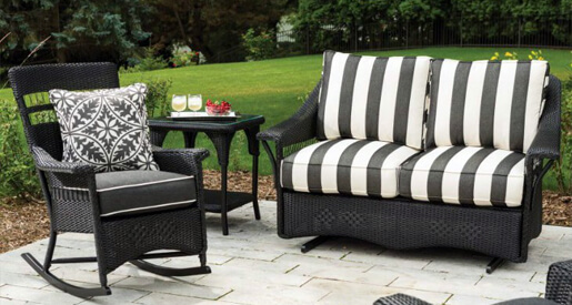 Stripes are a great way to add a stylish edge to your patio space.