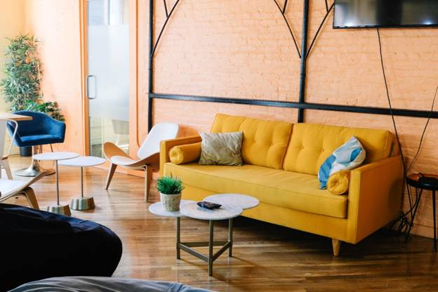 Creative Ways to Inject Spring Colors in Your Stylish Living Room