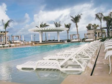 Grosfillex Bahia Resin White Lounge Set GXBAHAILNGSET