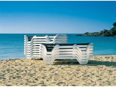 Grosfillex Marina Sling Resin White Lounge Set in Sky Blue GXMRNALNGSET