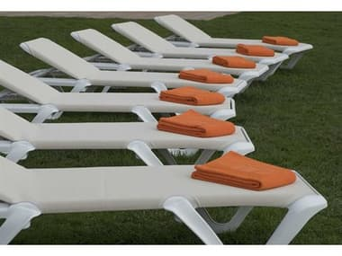 Grosfillex Nautical Pro Sling Resin White Lounge Set in Khaki GXNAUTCLPROLNGSET2