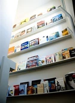 Gus* Modern Wall Shelf GUMACDCPIRL3