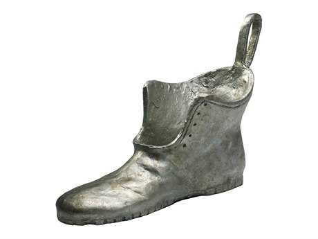 Cyan Design Shoe Token