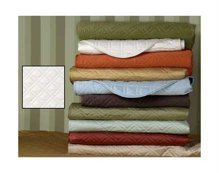 Eastern Accents Coperta Quilted Sateen Coperta Ivory Coverlet