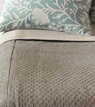 Eastern Accents Avila Bowen Brown Coverlet