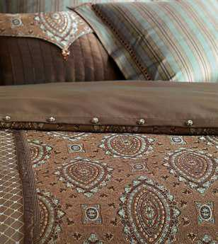 Eastern Accents Antalya Button-Tufted Comforter