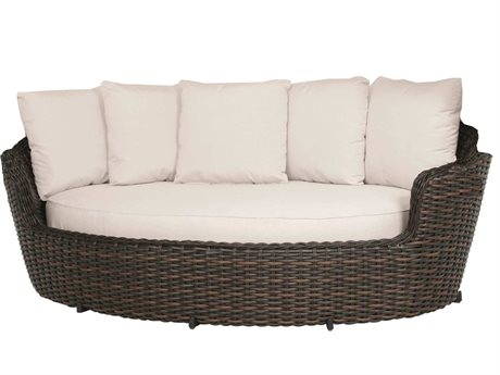 Ebel Dreux Wicker Daybed