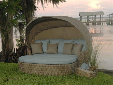 Ebel Dreux Wicker Daybed Lounge Set