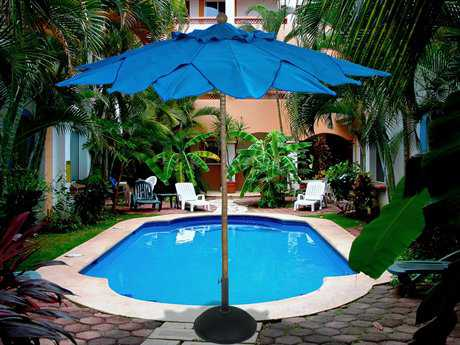 Fiberbuilt Palm FiberTeak 9' Leaf Pulley Wood Umbrella