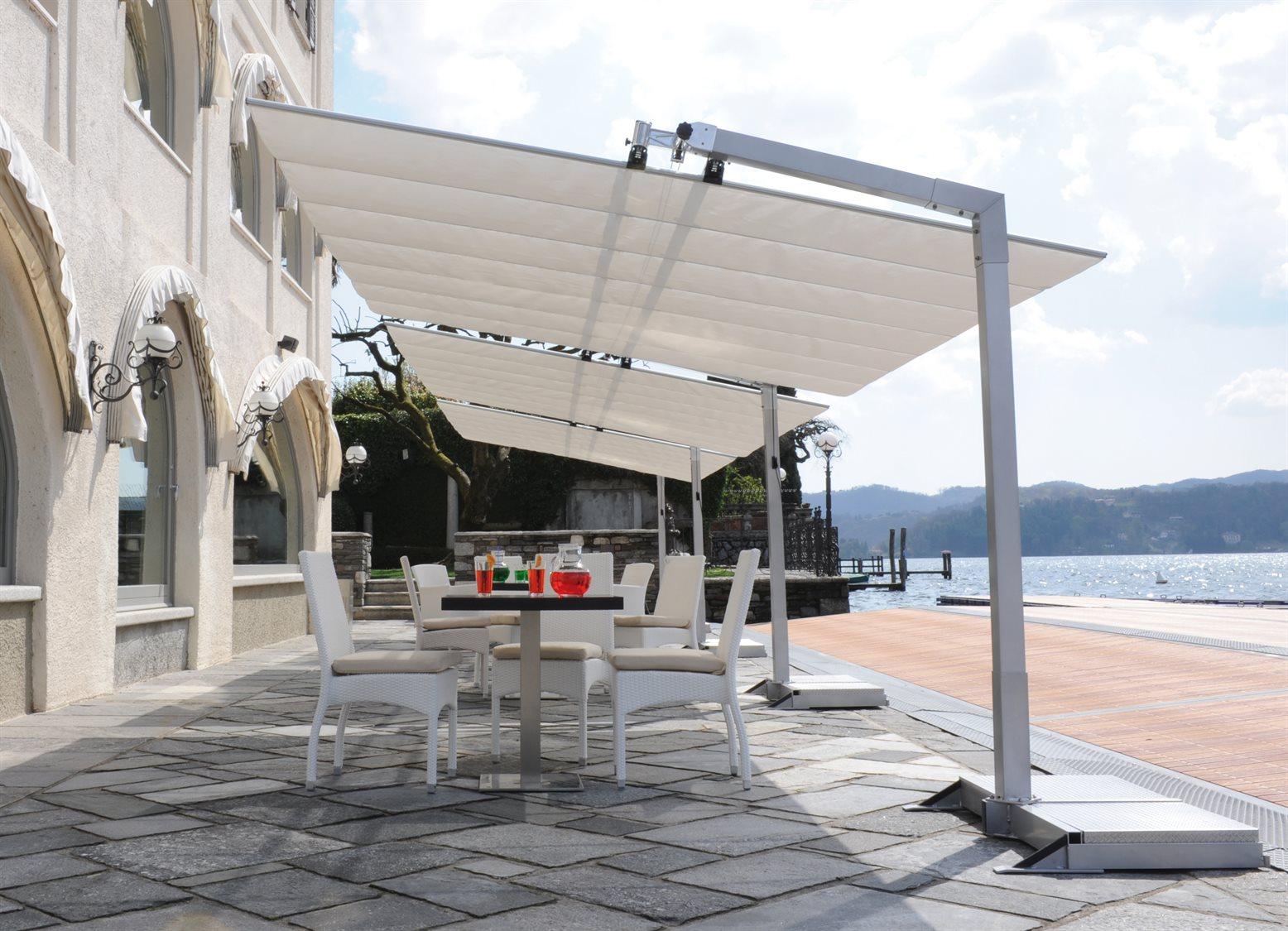 Outdoor Freestanding Deck
