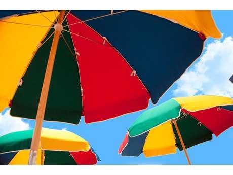 Frankford Umbrellas Steel Beach 7.5 Foot Wide Octagon Manual Lift Umbrella