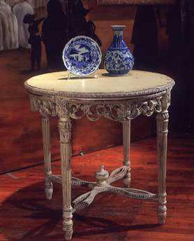 Habersham Elancourt 30 Round Occasional Table