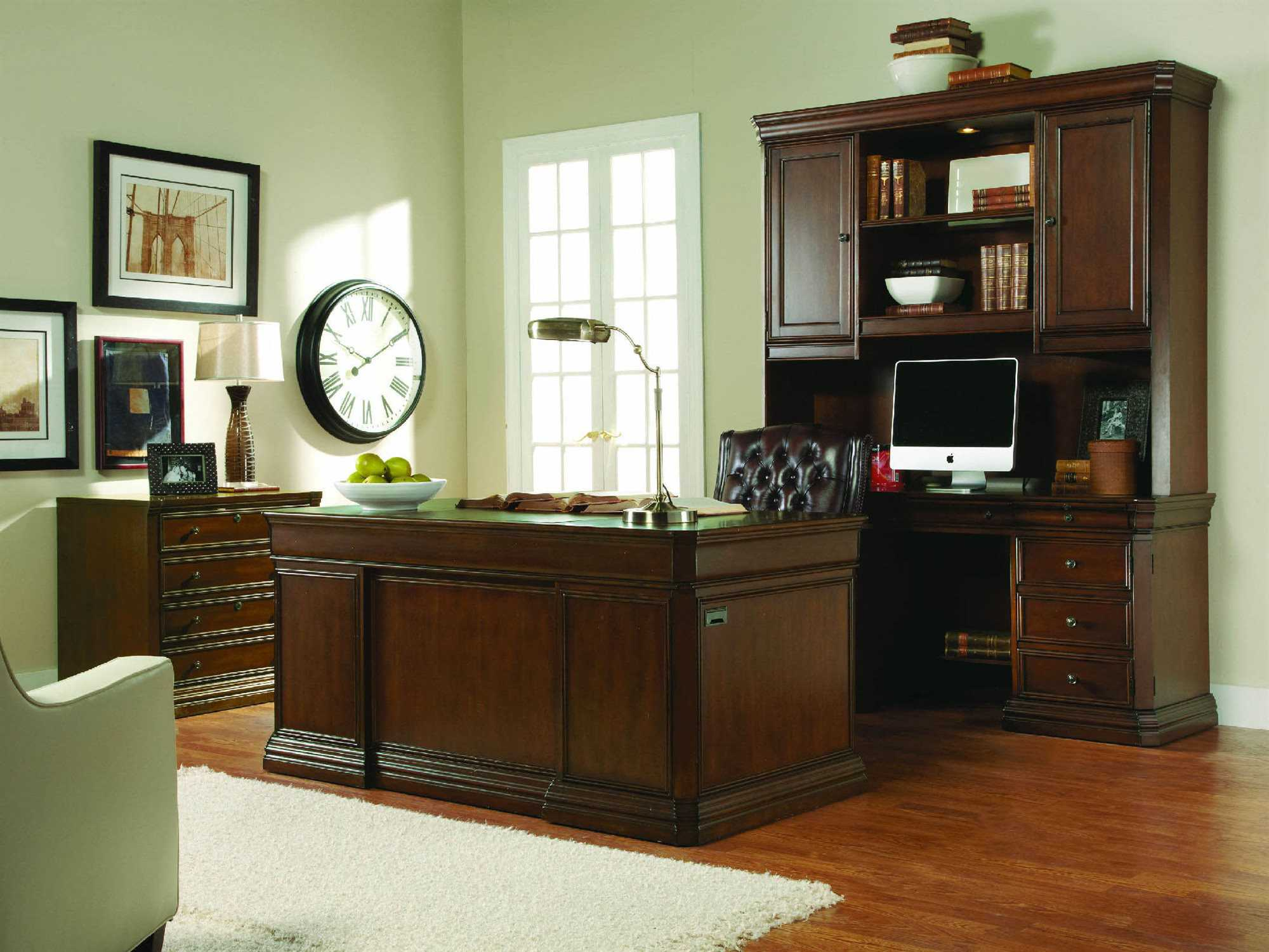 Hooker Furniture Cherry Creek Lightly Distressed Medium