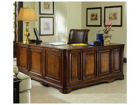 Hooker Furniture Brookhaven Distressed Medium Cherry 68''L x 79''W Rectangular L-Shaped Executive Desk