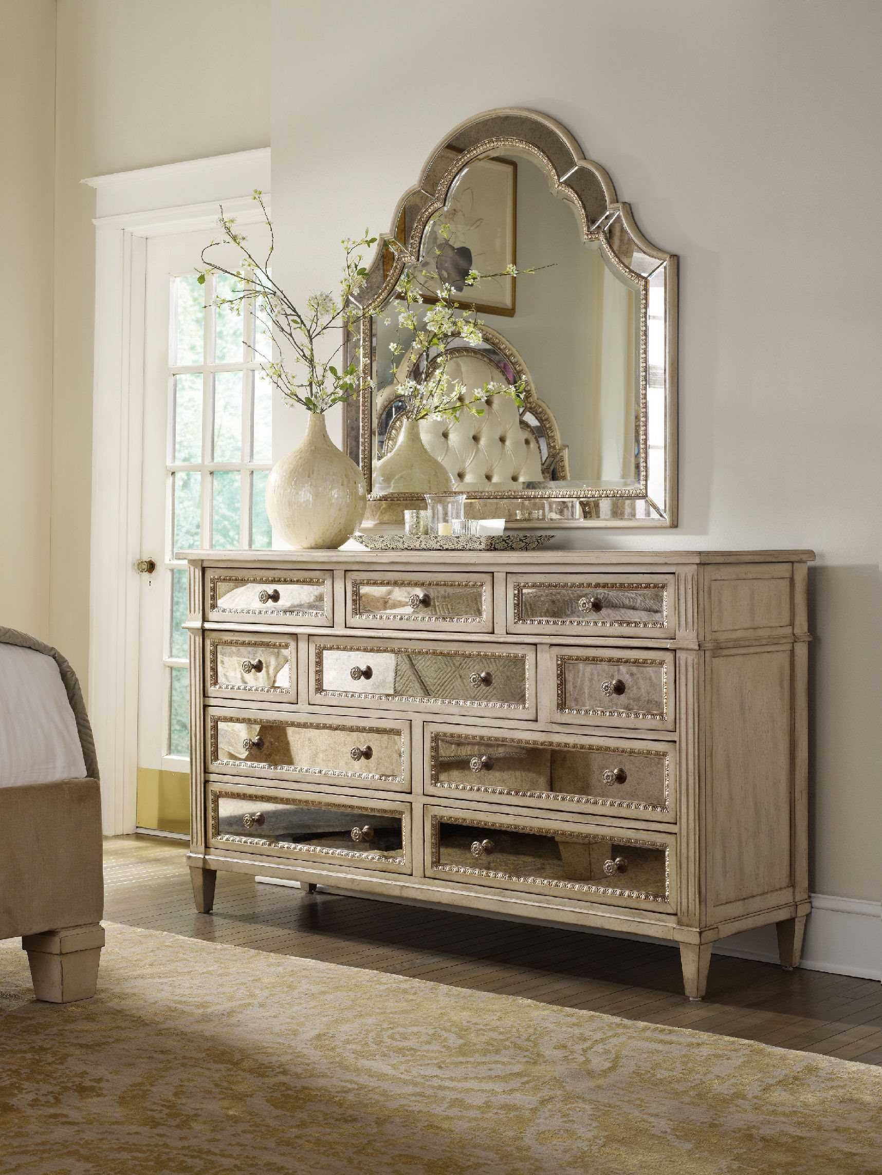 Hooker Furniture Sanctuary Pearl Essence Triple Dresser