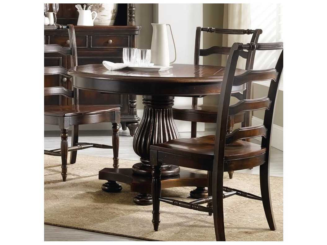 hooker furniture eastridge dark wood 44 39 39 wide round pedestal dining table hoo517775203. Black Bedroom Furniture Sets. Home Design Ideas