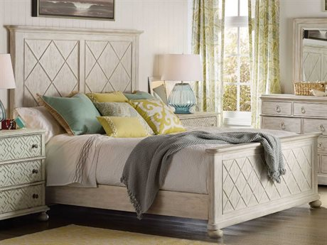 Hooker Furniture Sunset Point White, Cream & Beige Queen Size Fretwork Panel Bed