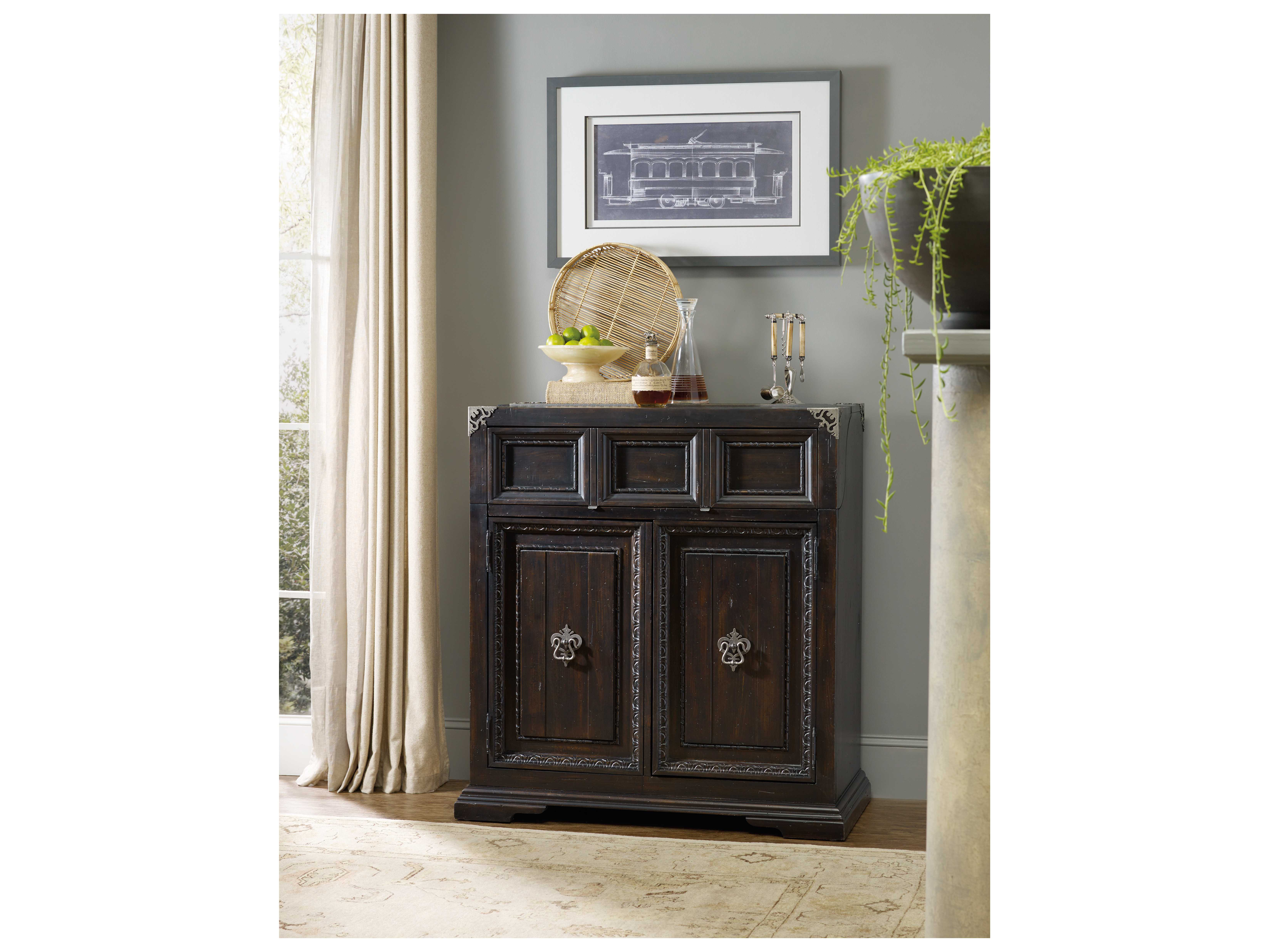 Hooker Furniture Treviso Rich Dark Macchiato Bar Cabinet