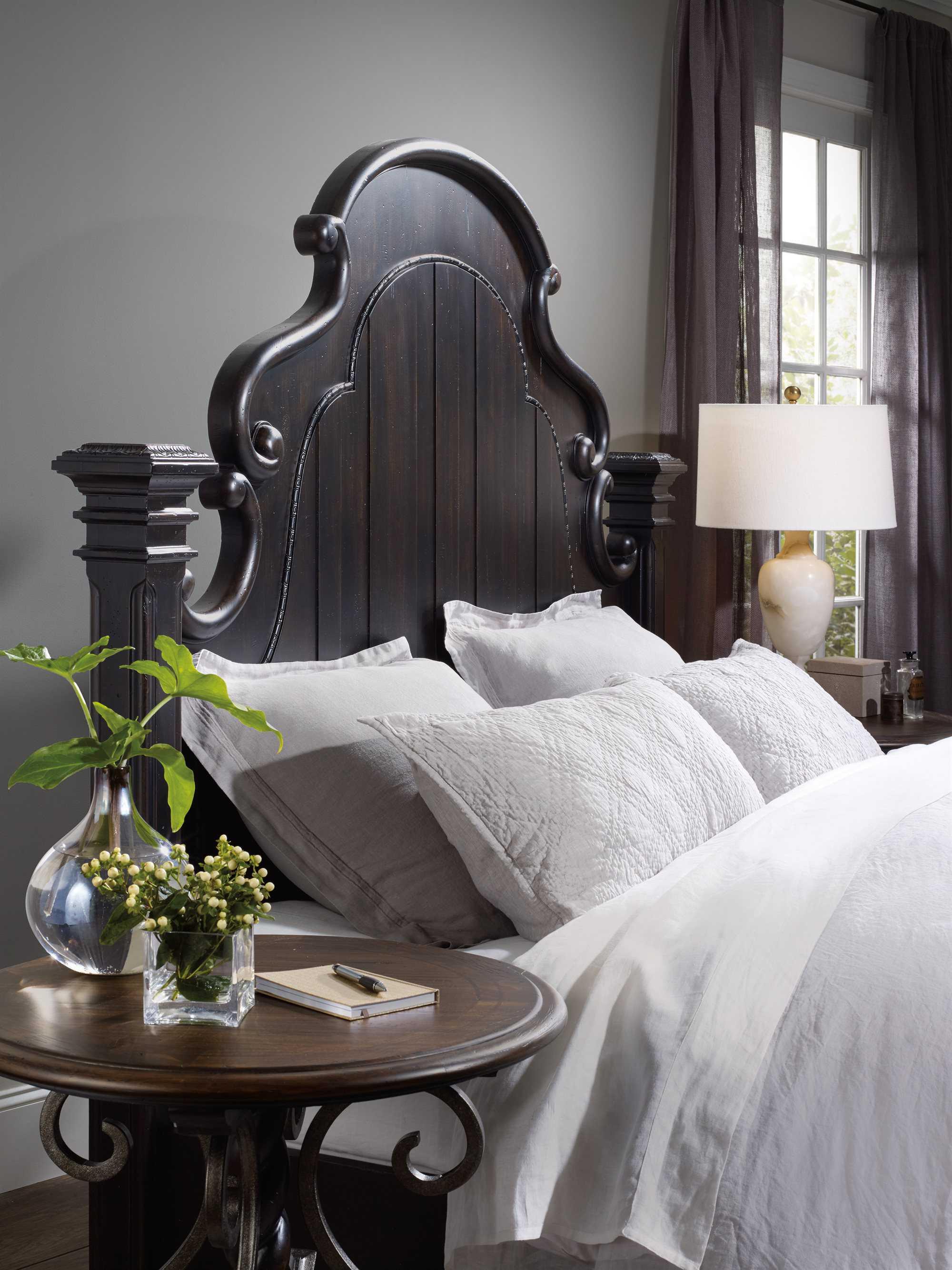 Hooker Furniture Treviso Wood Poster Bed Bedroom Set