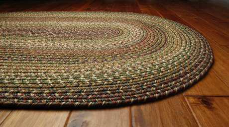 Homespice Decor Ultra Durable Braided Rainforest Oval Oval Green Area Rug