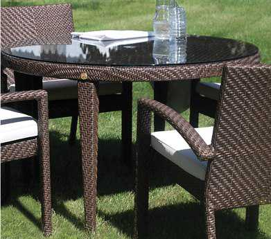 Hospitality Rattan Outdoor Soho Wicker 47 Round Woven Dining Table