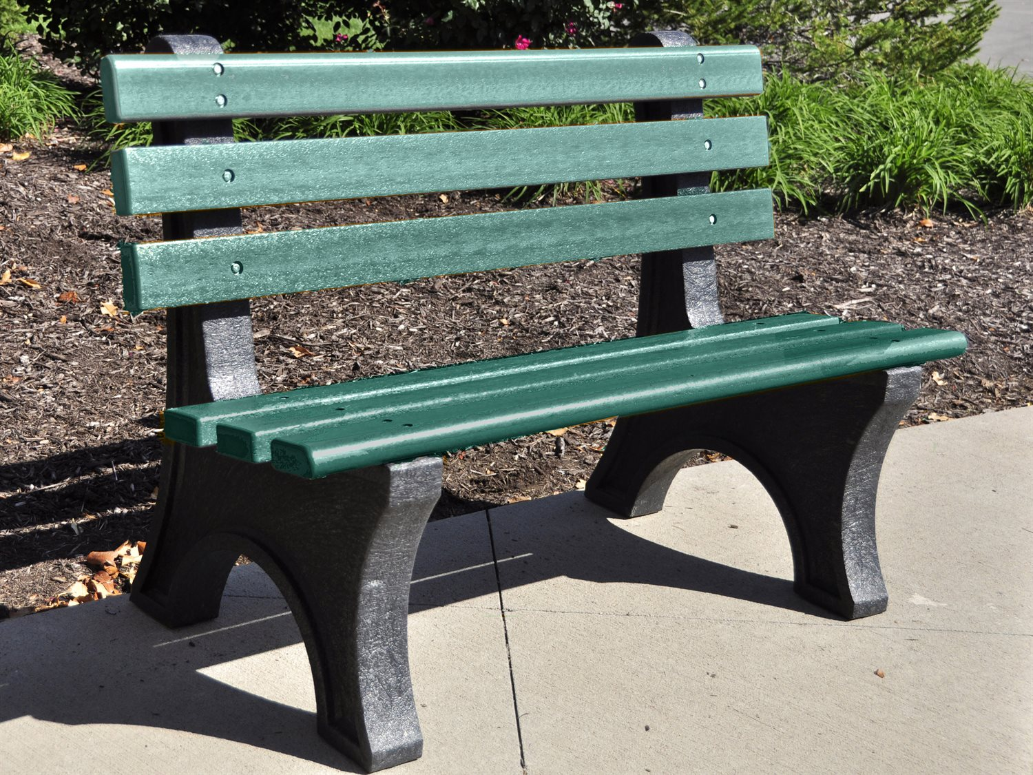 Frog Furnishings Central Park Recycled Plastic 4 Ft Bench Jhpb4cpe