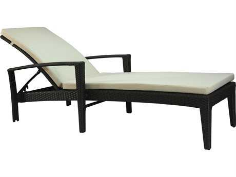 Jaavan Fidji Wicker Chaise Lounge