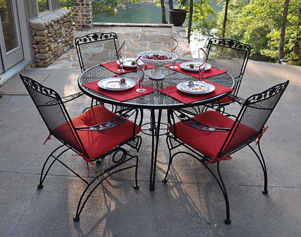 Meadowcraft Dogwood Wrought Iron Coil Spring Dining Chair