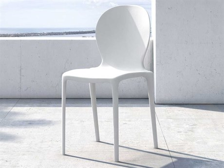 Modloft Outdoor Vieste Chalk White Recycled Plastic Dining Chair