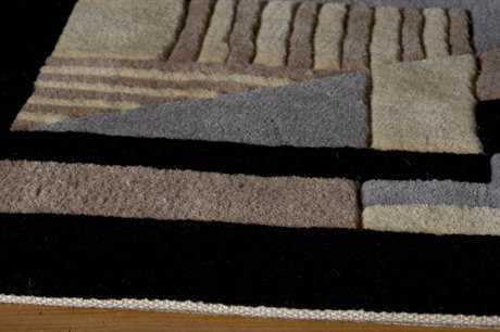 Momeni New Wave Round Black Area Rug
