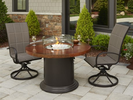 Outdoor Greatroom Colonial Dining Height Fire Pit with artisan acid washed supercast top