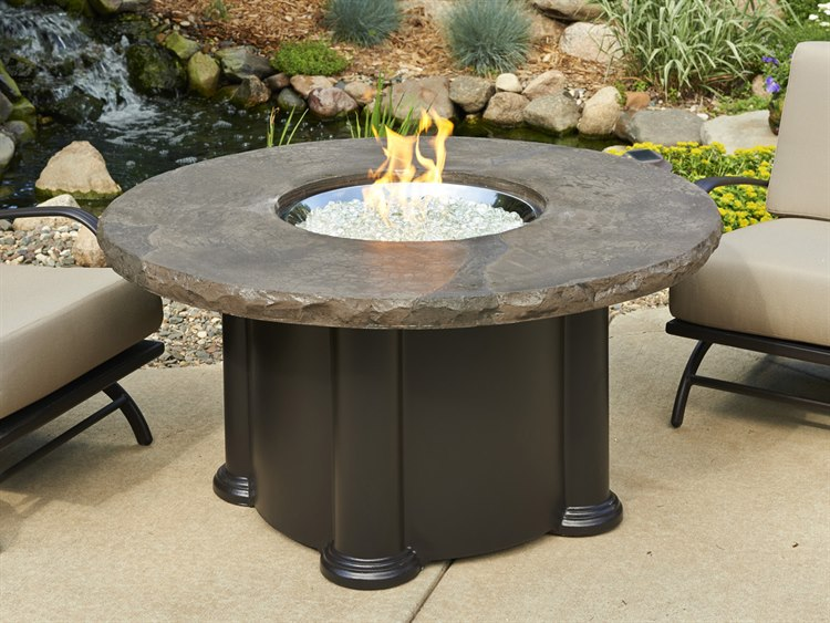 Outdoor Greatroom Marbleized Noche Colonial Chat Height