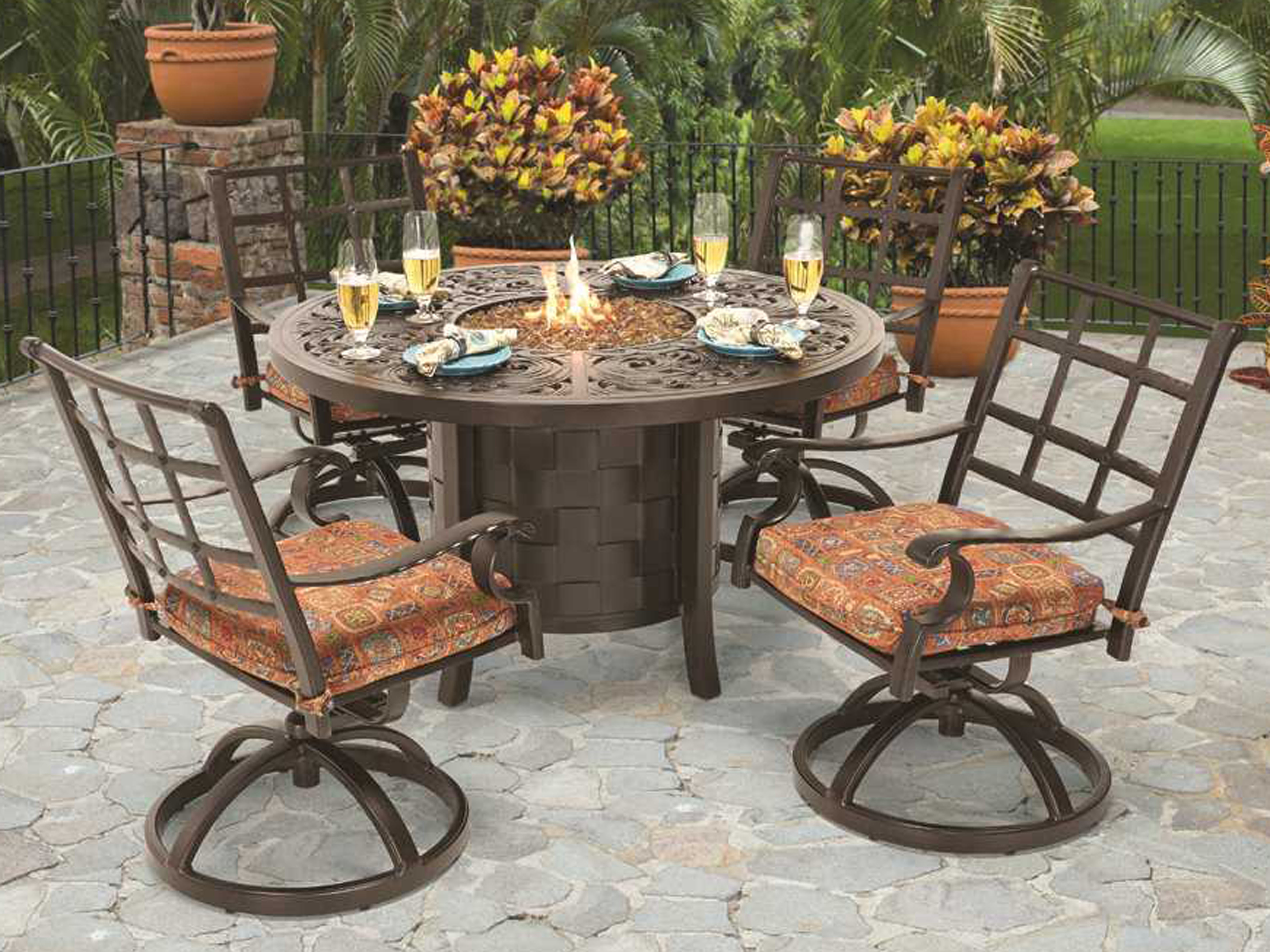 Castelle Coco Isle Cast Aluminum 49 Round Dining Table with