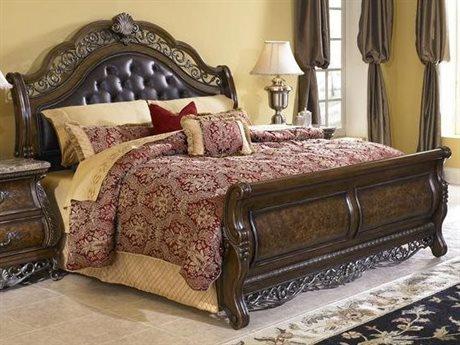 Pulaski Birkhaven Brown King Sleigh Bed