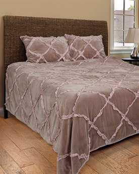 Rizzy Home Posh Blossom Quilt Set
