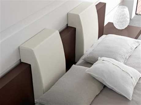 Rossetto Win White Leather Headboard Pillows (2 Piece Set)