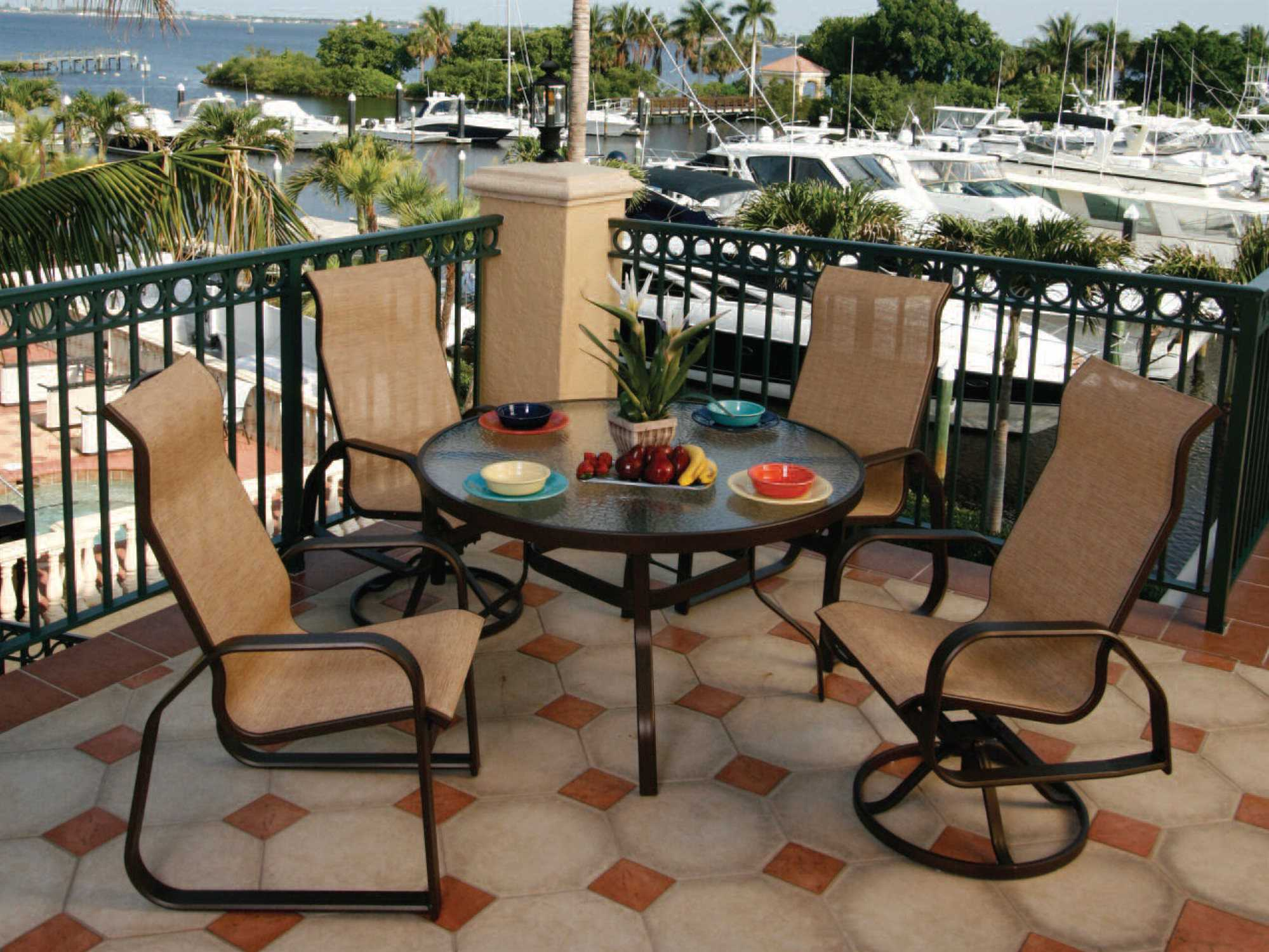 Suncoast Cast Aluminum 48 39 39 Round Glass Top Dining Table 48kd