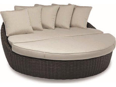 Sunset West Quick Ship Cardiff Wicker Round Daybed in Canvas Flax with Self Welt