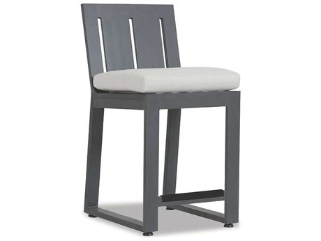 Sunset West Quick Ship Redondo Aluminum Bar Stool in Cast Silver